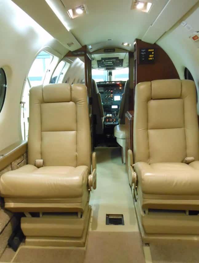 CG Beechjet 400 6