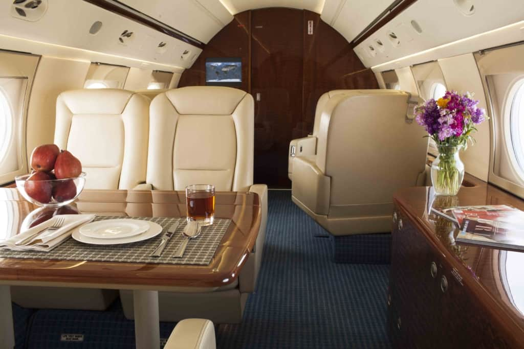 Gulfstream IV Interior_Mid-to-Fwd-w-staging