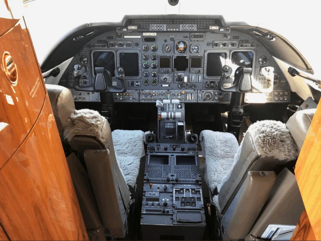 Lear 60 Cockpit