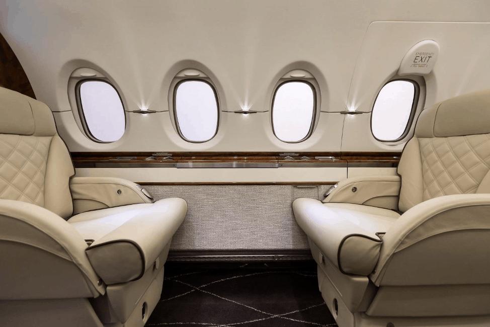 Hawker 900XP Interior by Elliott Aviation